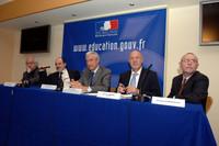 �ric Orsenna, Alain Bentolila, Gilles de Robien et Dominique Desmarchelier - � Caroline Lucas / M.E.N.E.S.R